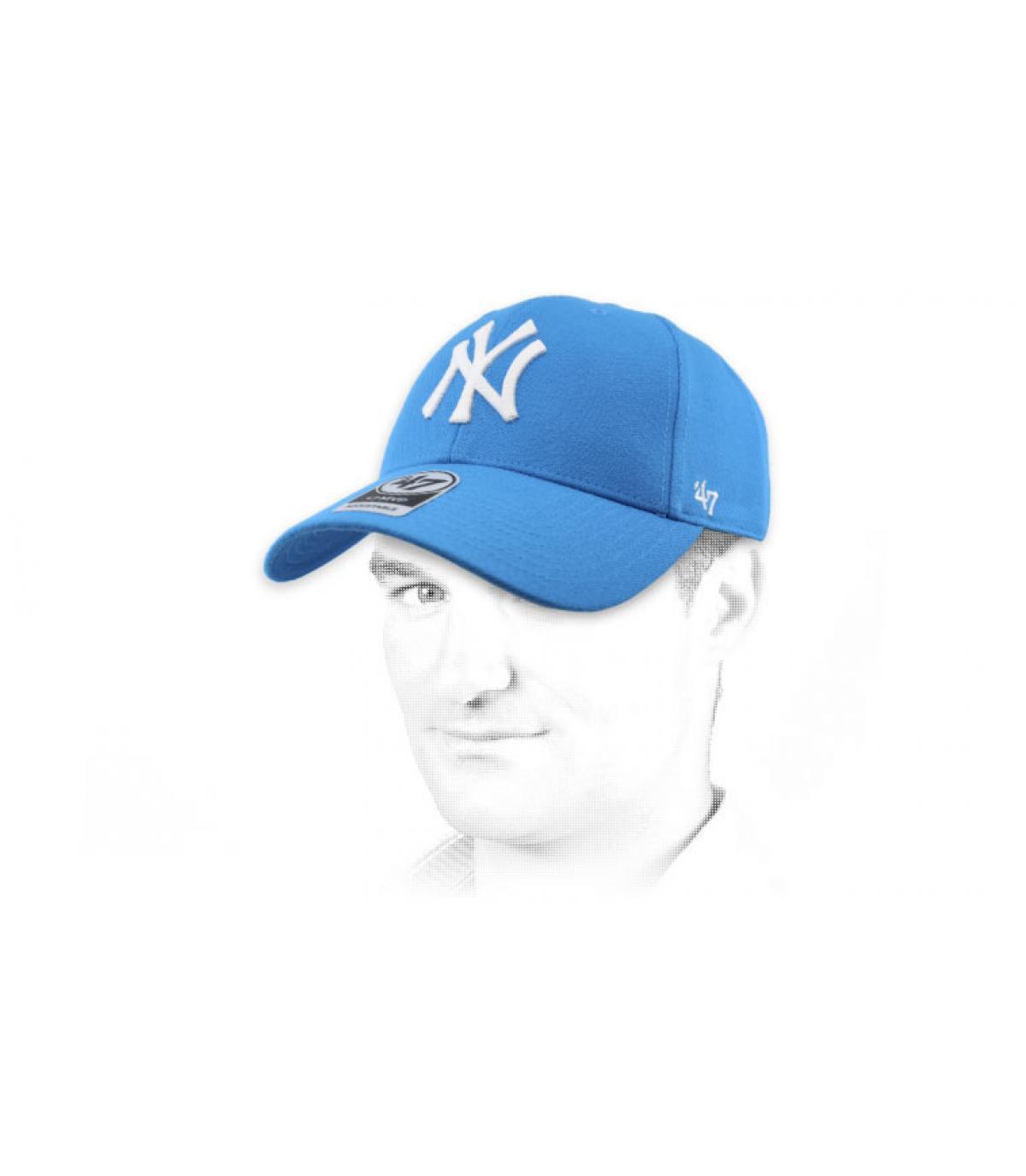 lichtblauwe NY-kap 47