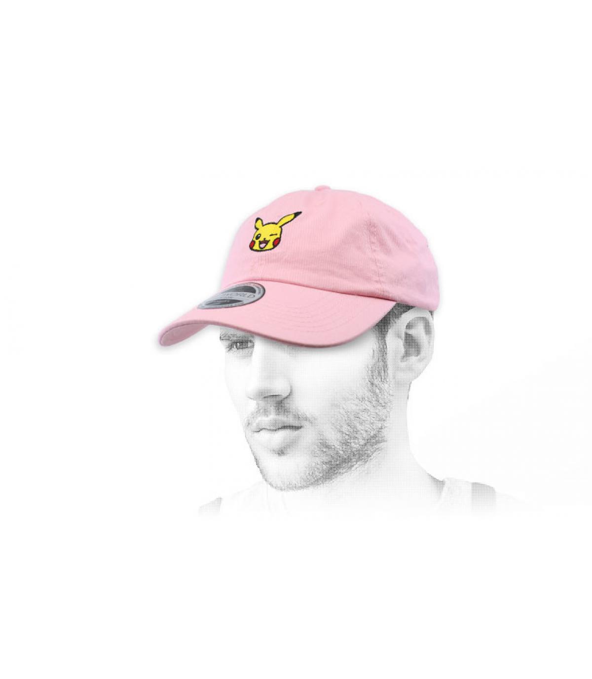 roze pet van Pikachu