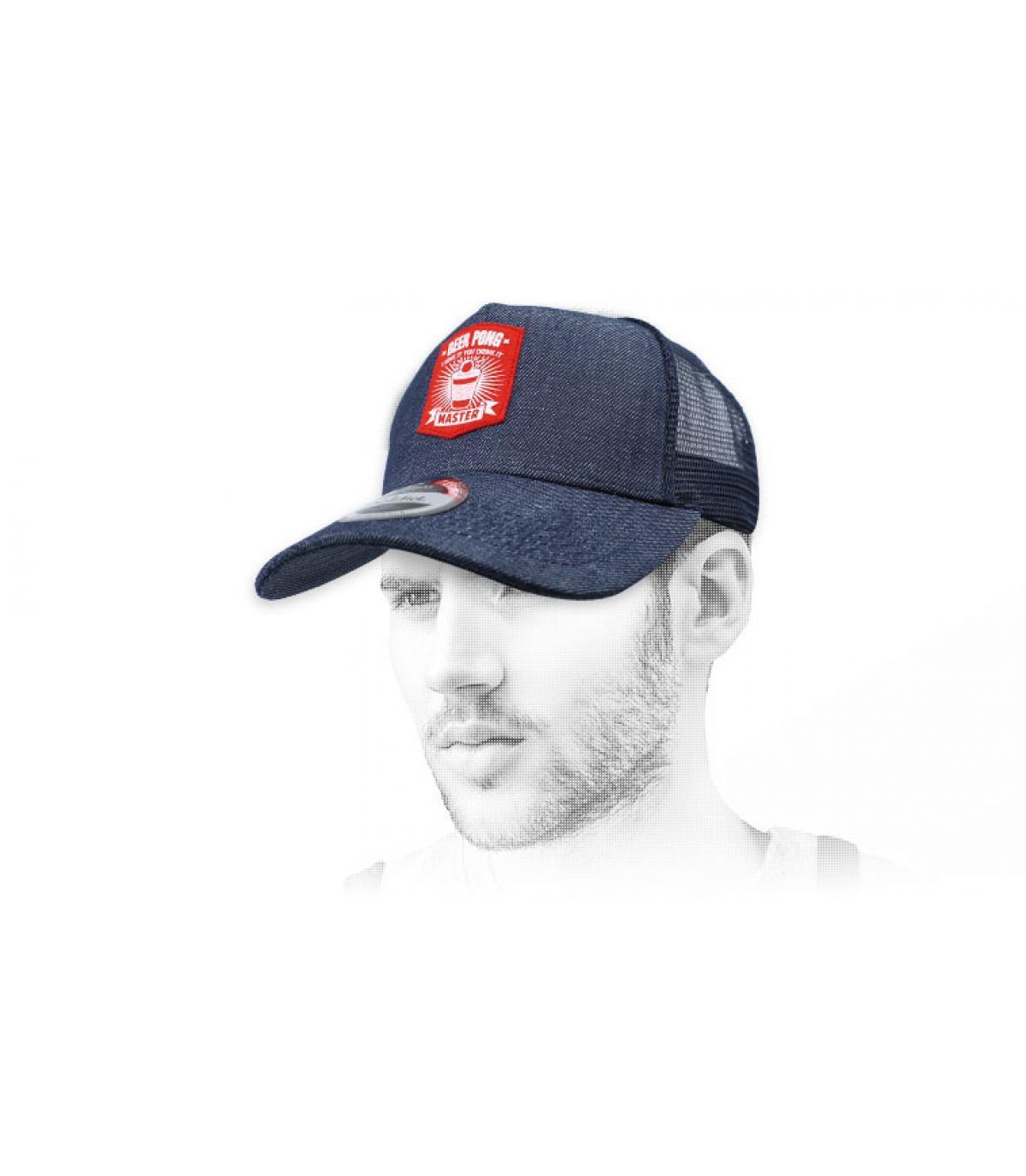 blauw pong bier trucker