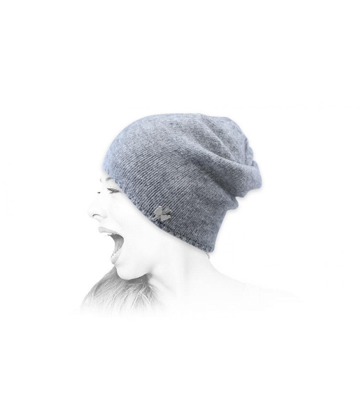 lange grijze wollen hoed