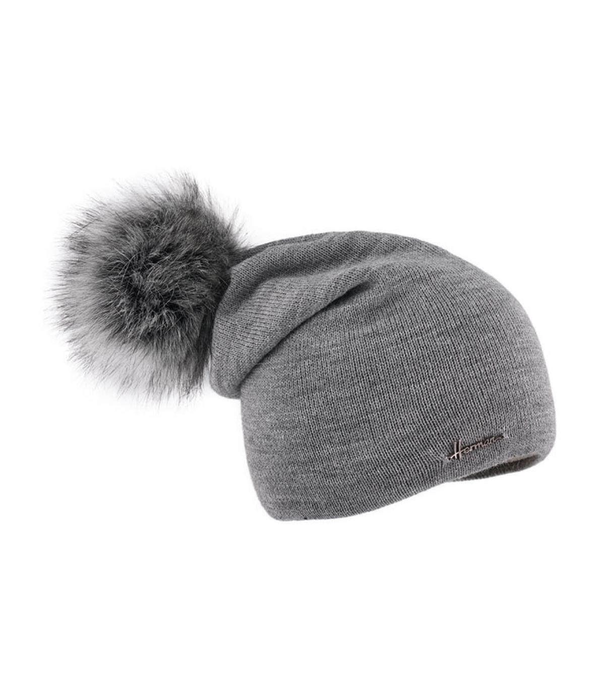 grijze pompom lange hoed