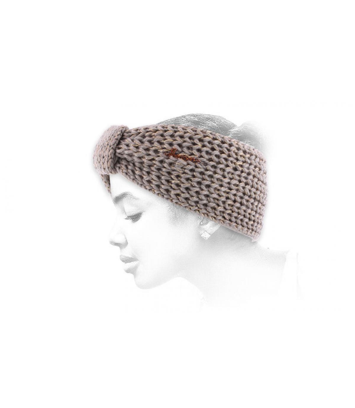 vrouw grijze hoofdband