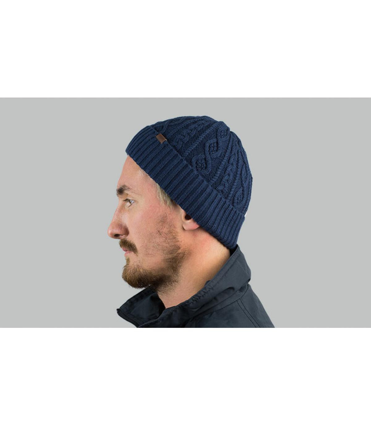 marineblauwe beanie-revers