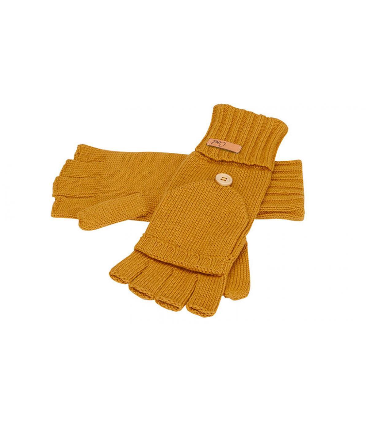 handschoenen van mosterdgele wanten