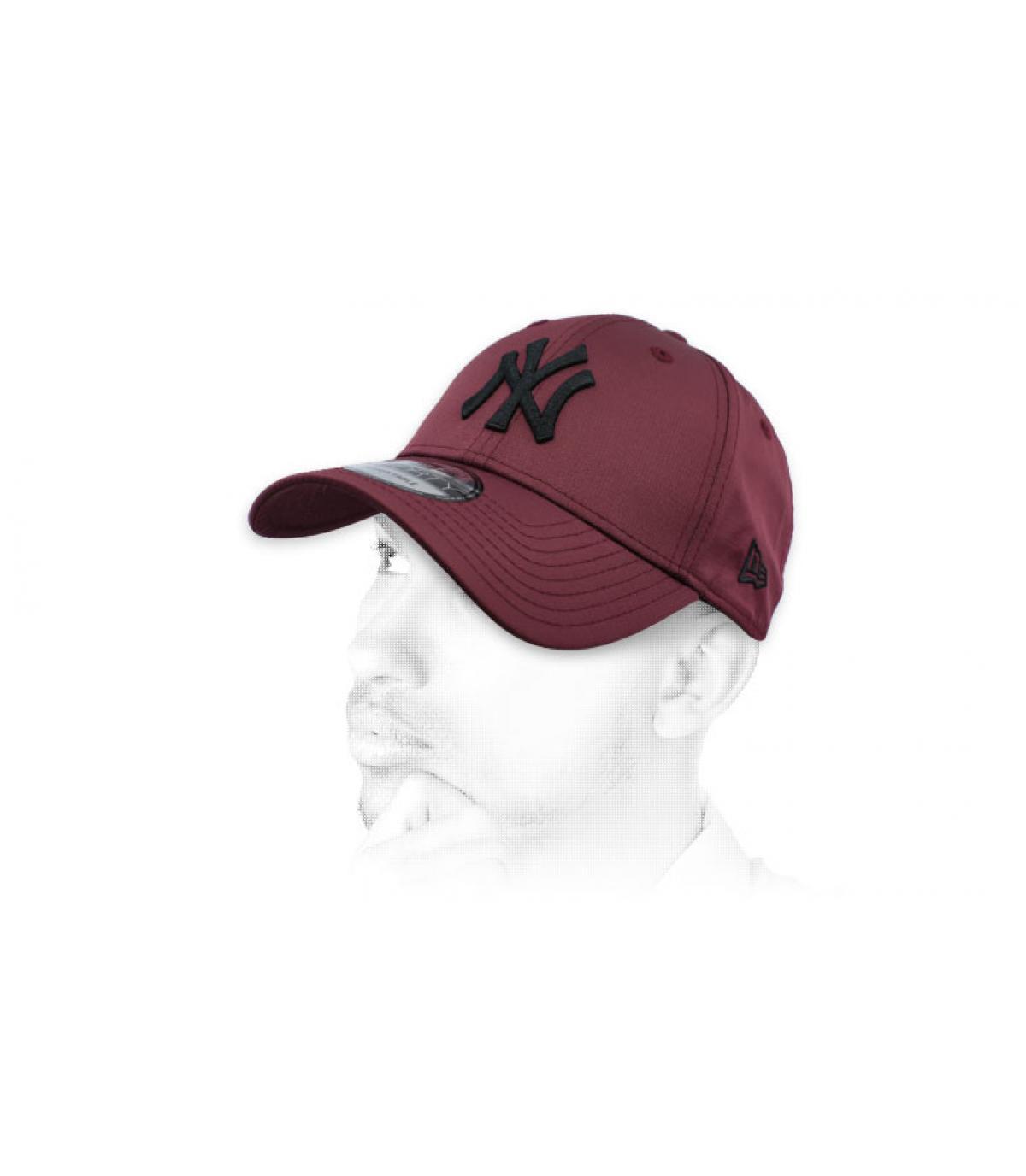zwarte bordeaux NY cap
