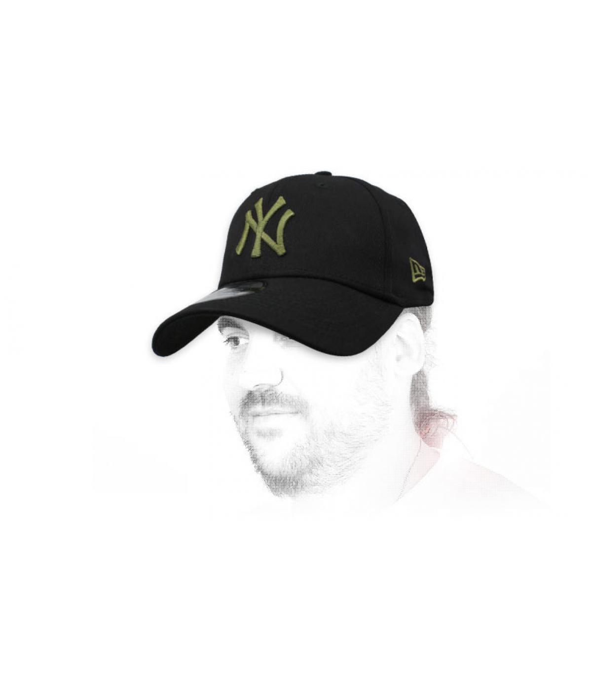 zwarte NY cap groen