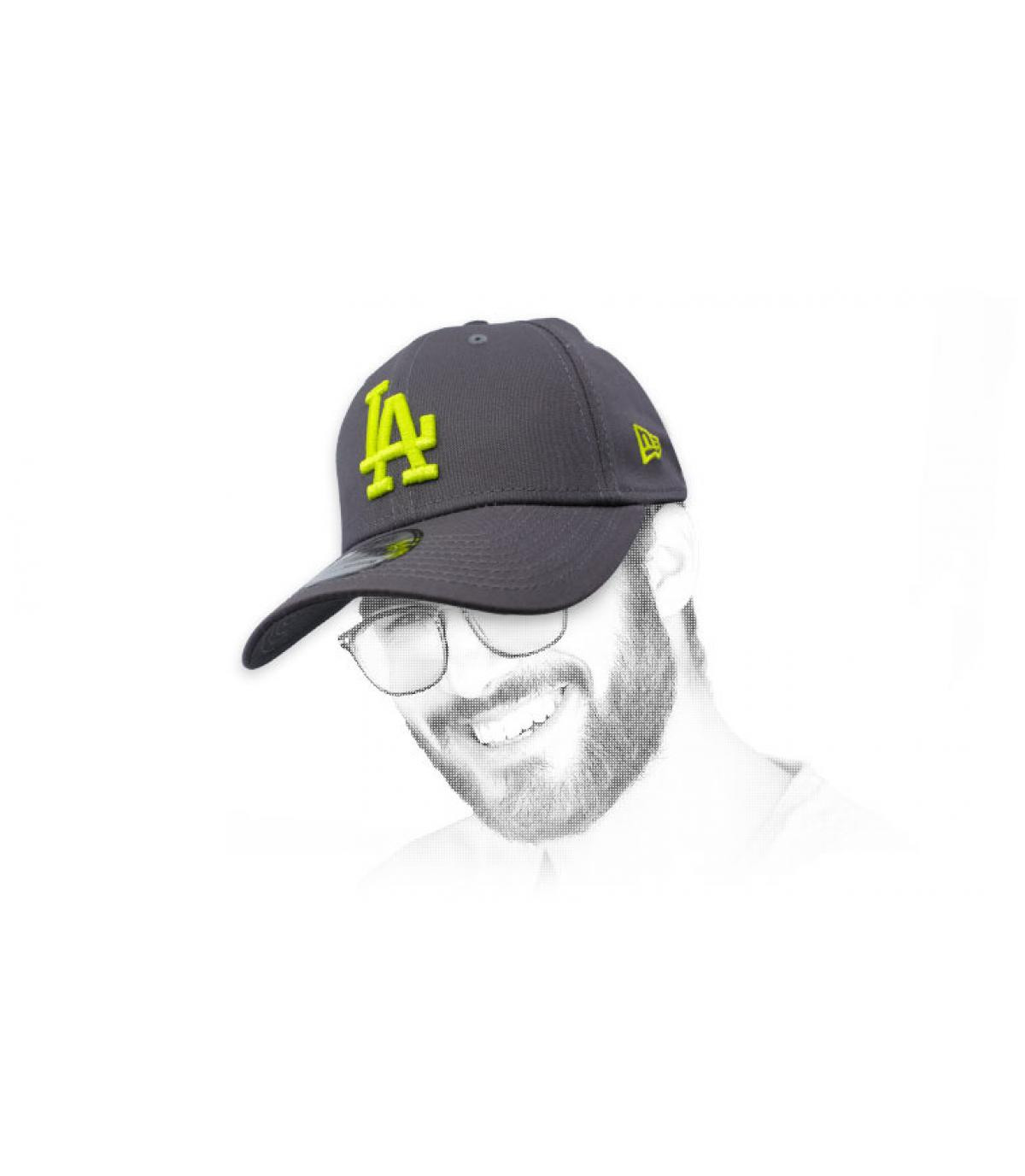 kap LA grijs geel