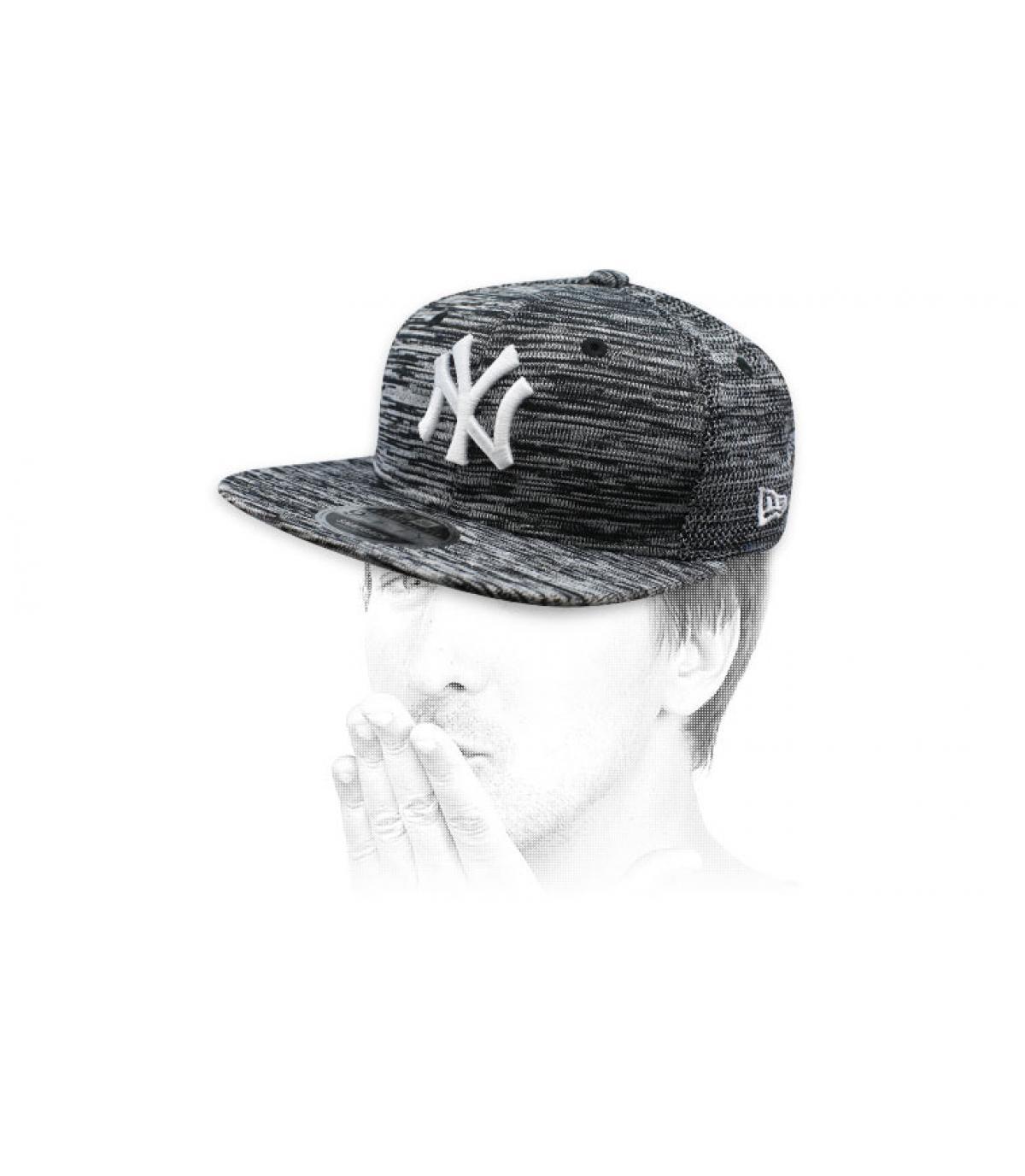 grijze, door NY ontworpen snapback