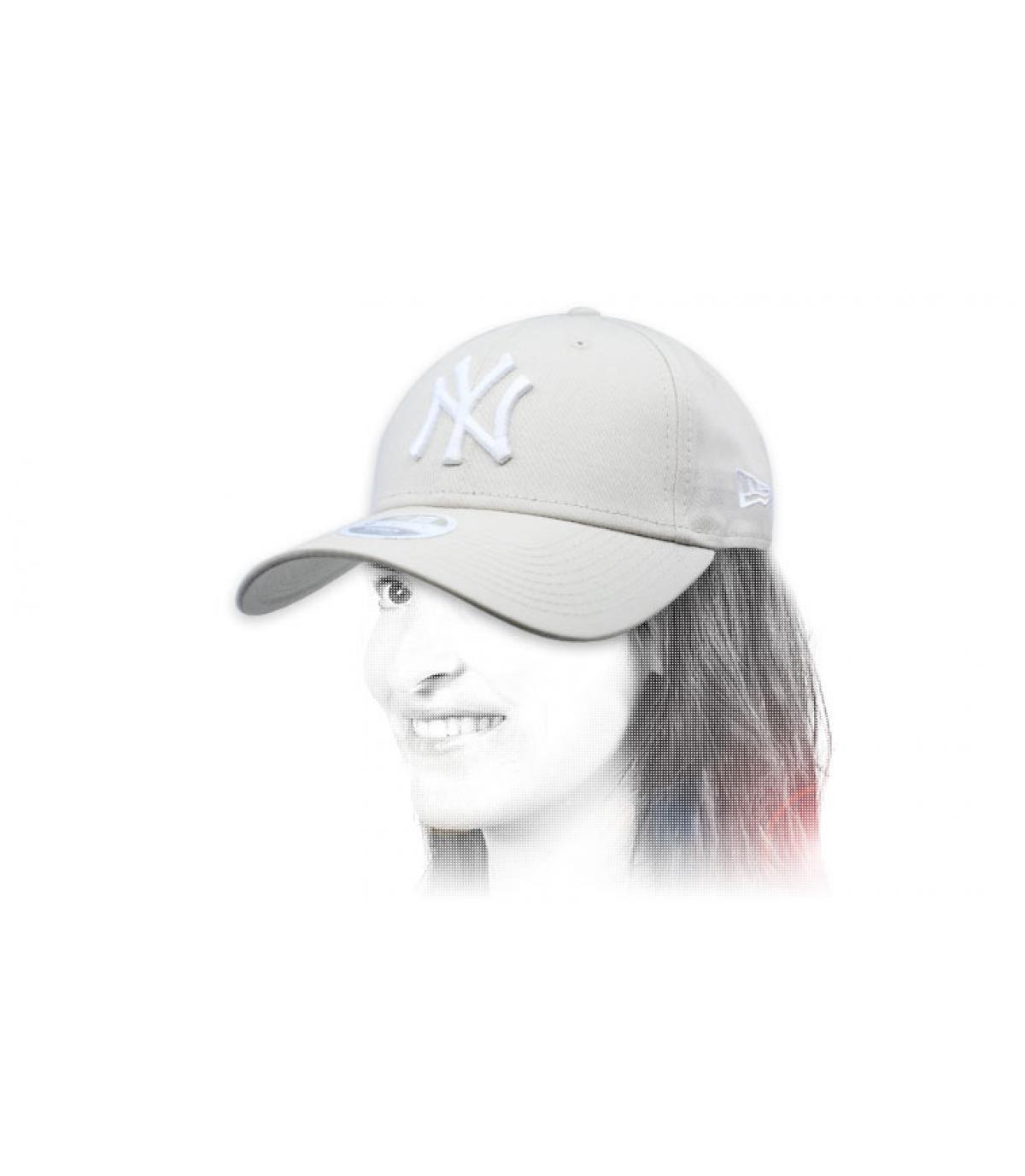 NY pet vrouw beige