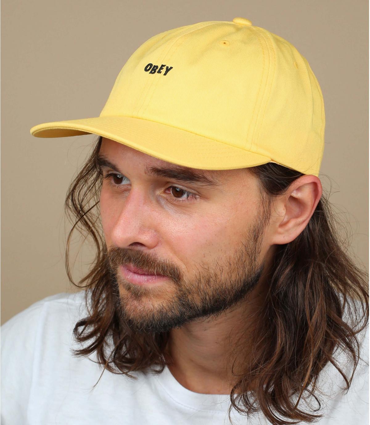 geel Obey cap