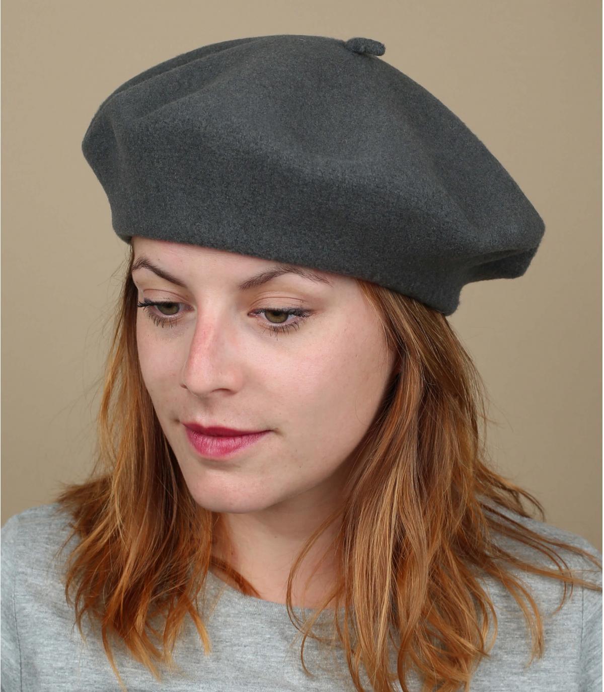 Grijze franse baret