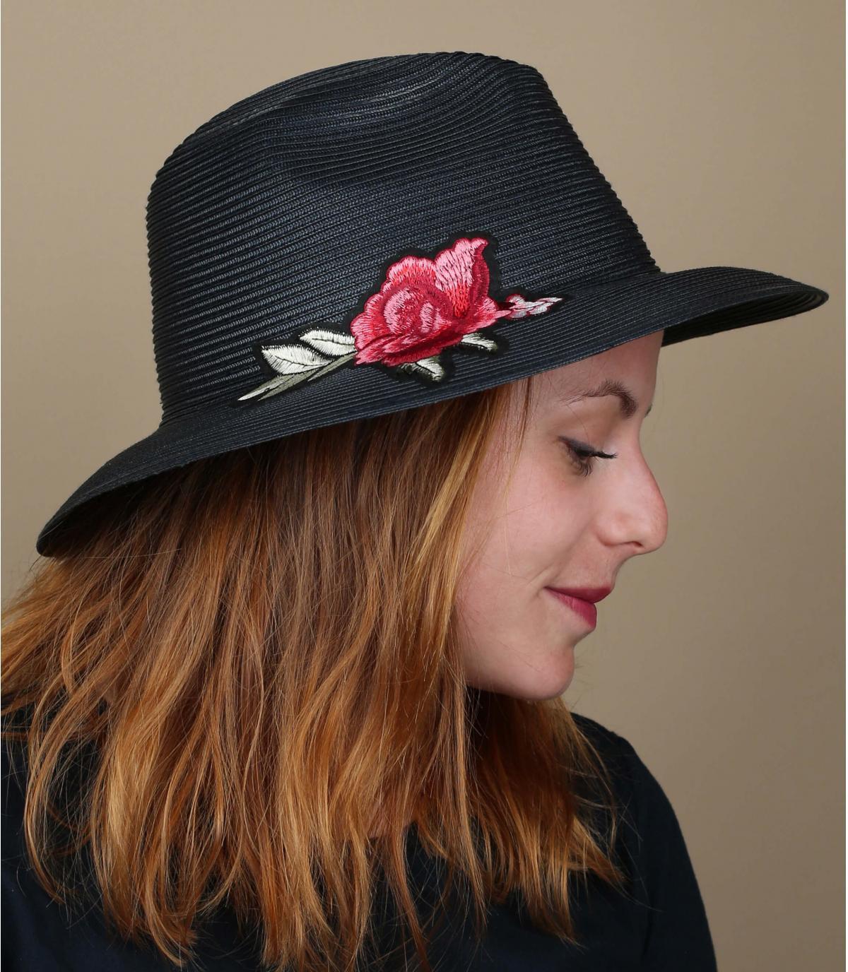 roze marineblauwe hoed