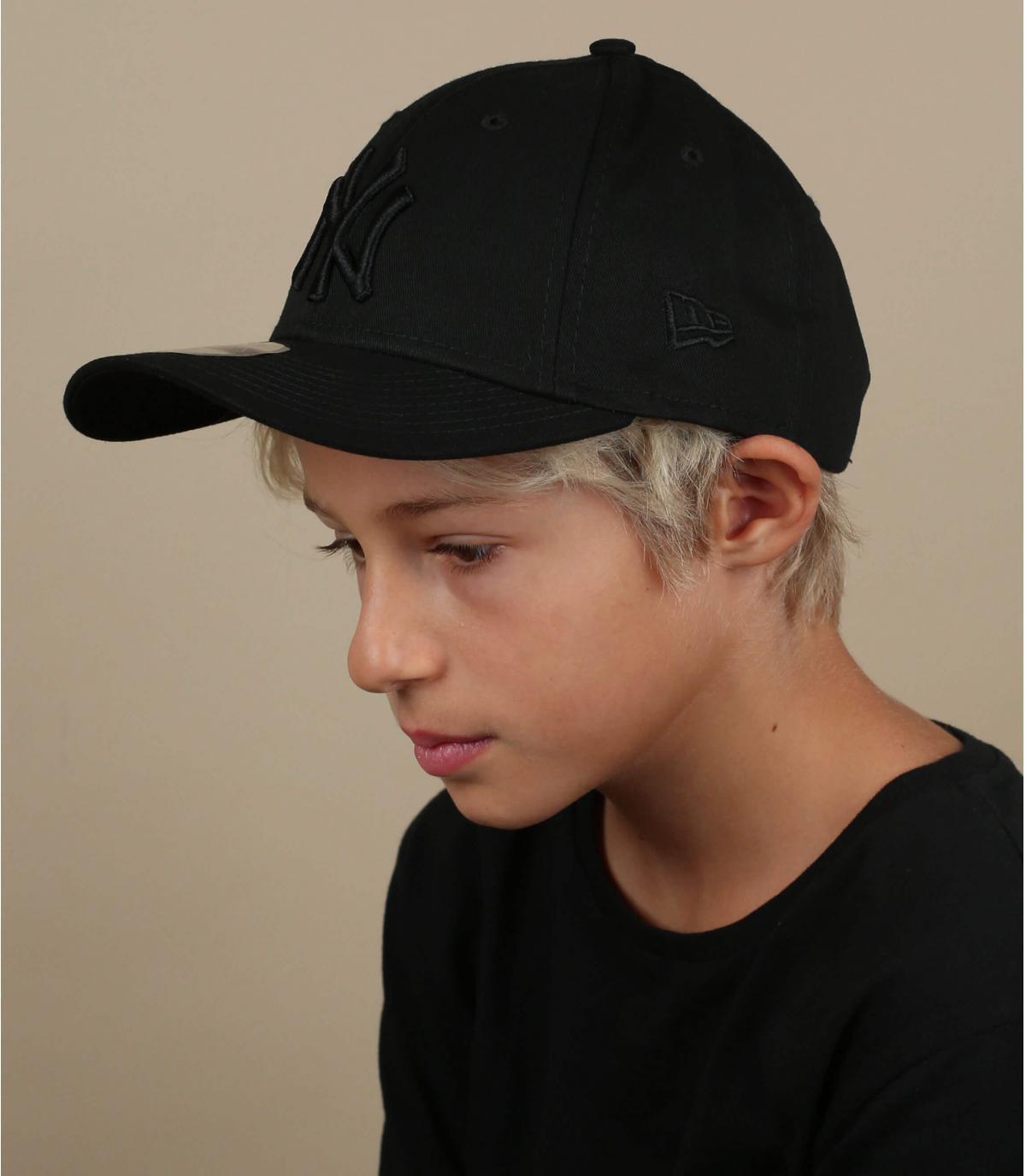 zwarte kind NY cap