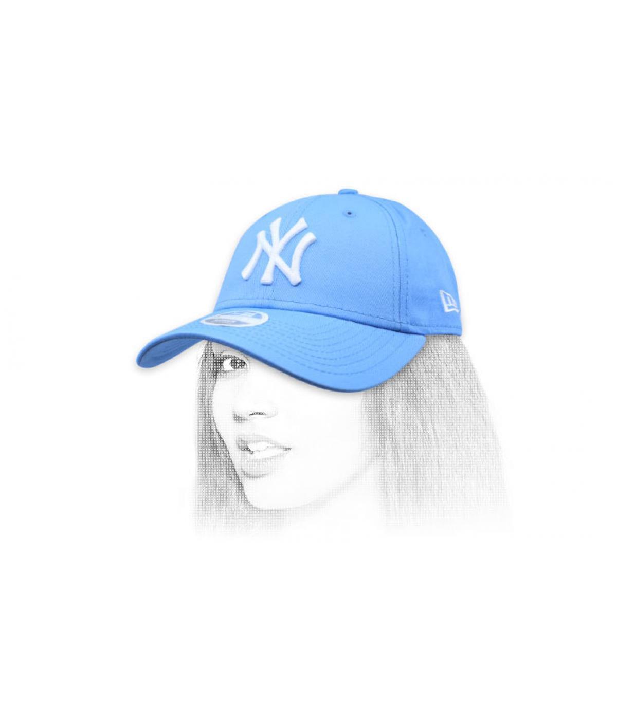 pet vrouw NY blauw
