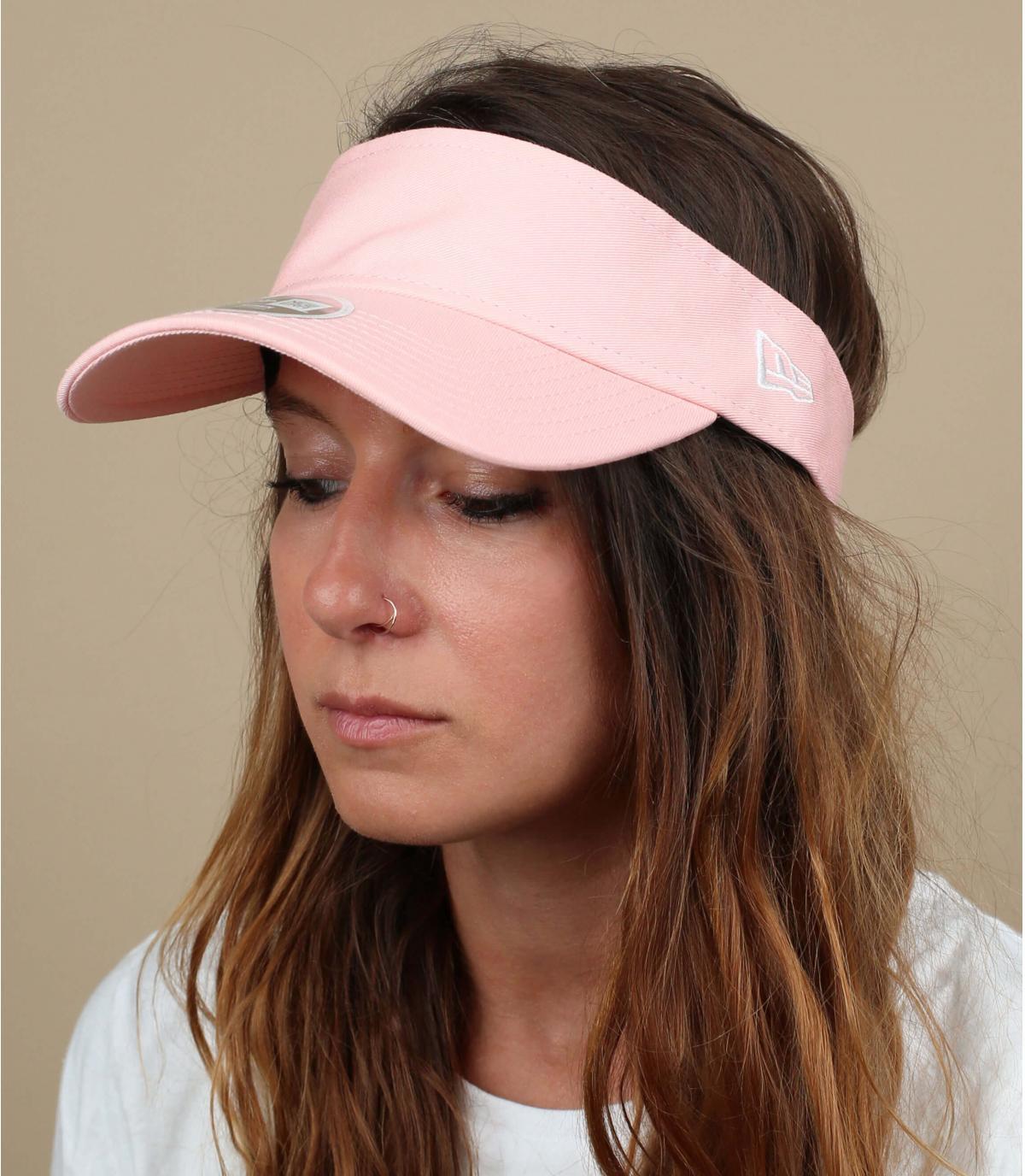 vrouw roze vizier