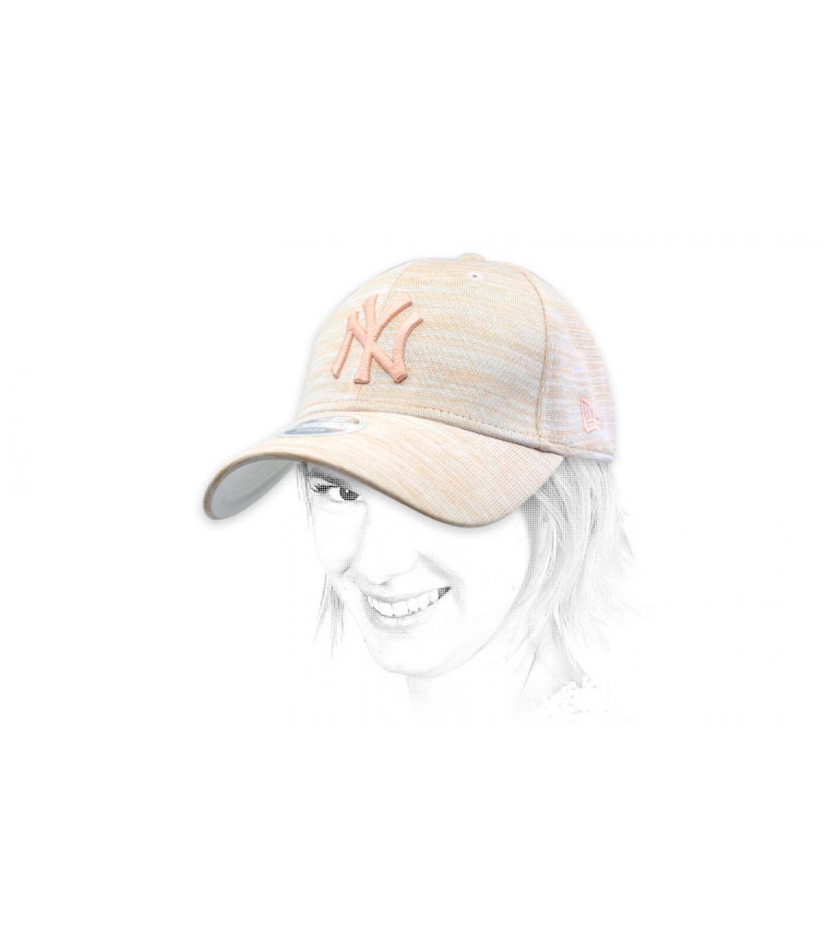 roze NY cap