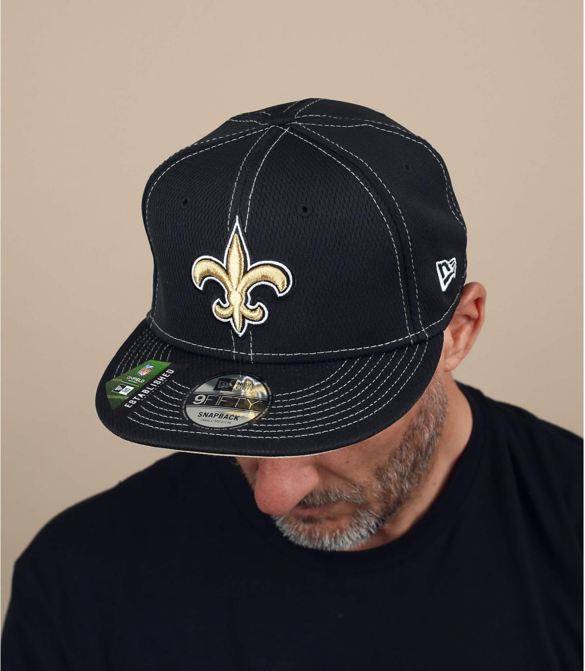 zwarte heiligen cap