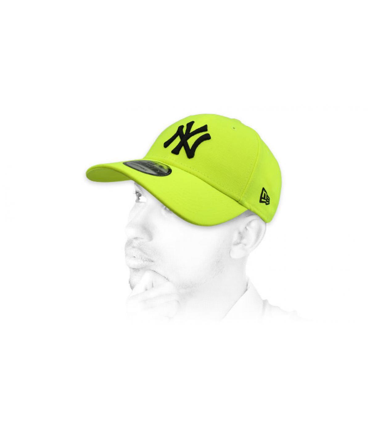 neon gele NY cap