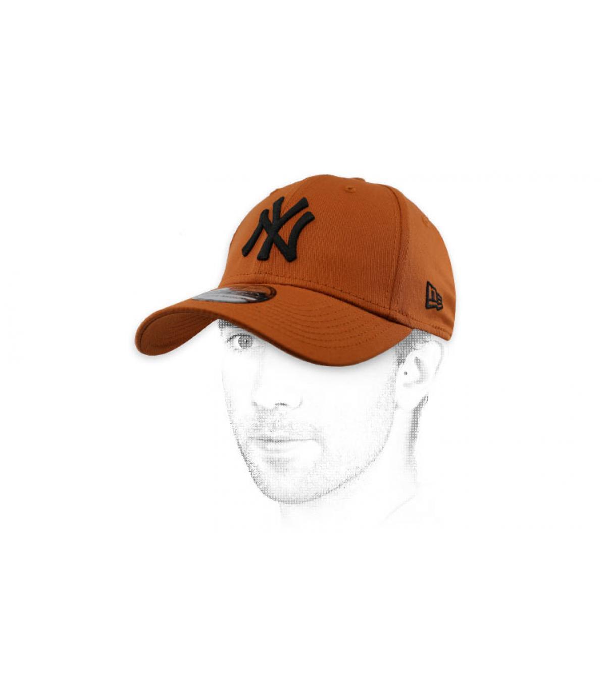 zwartbruine NY cap