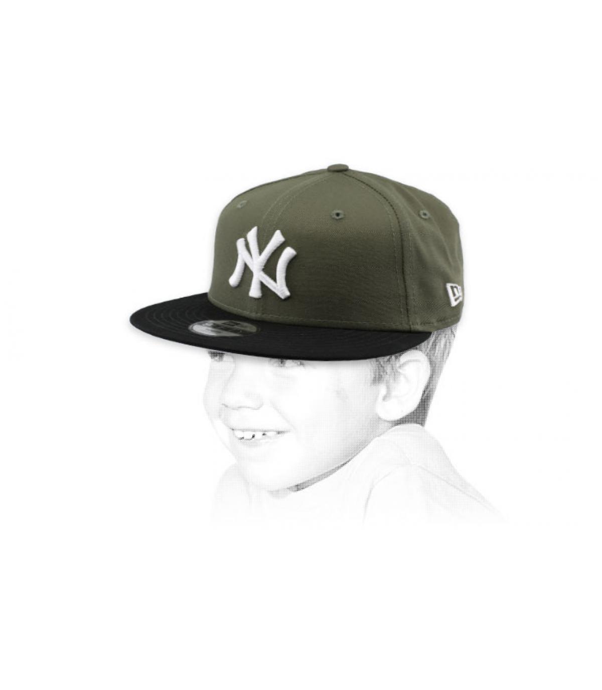 kindermuts NY groen zwart