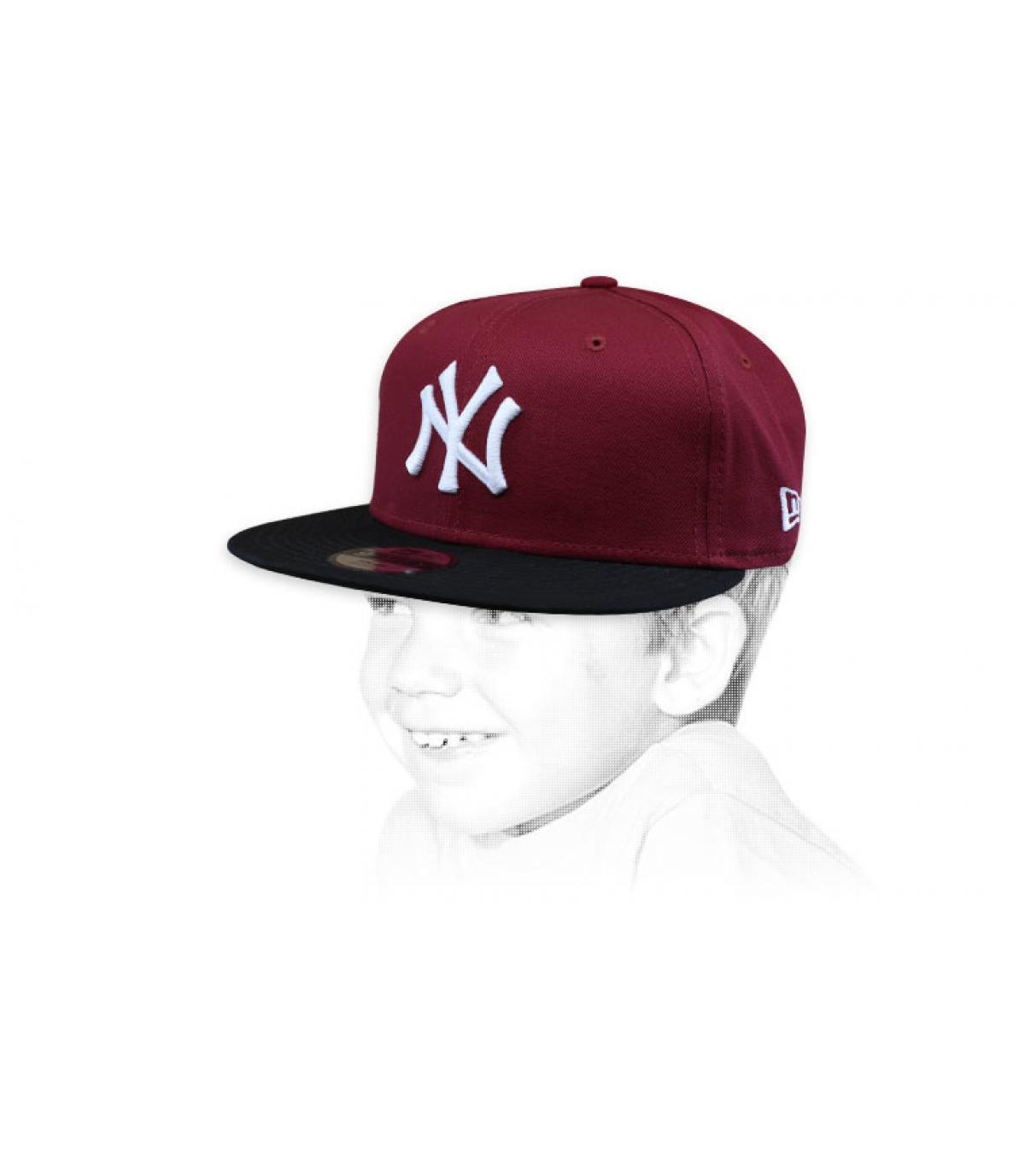 kindermuts NY bordeaux zwart