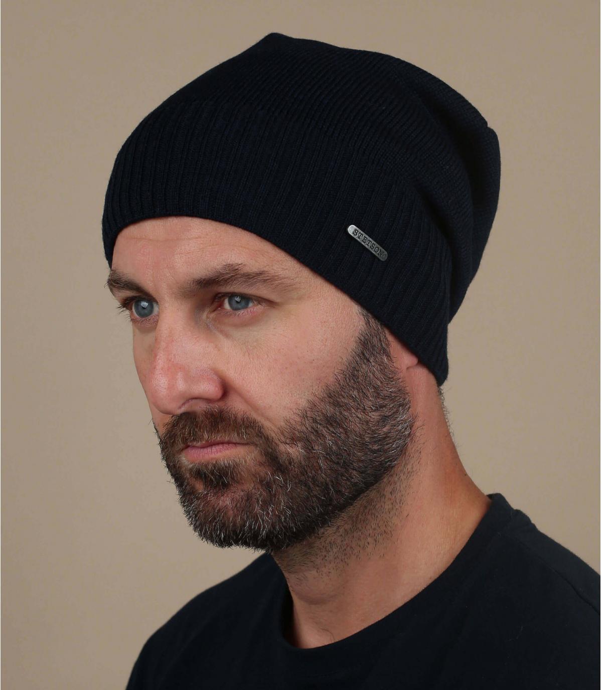 lange blauwe wollen hoed
