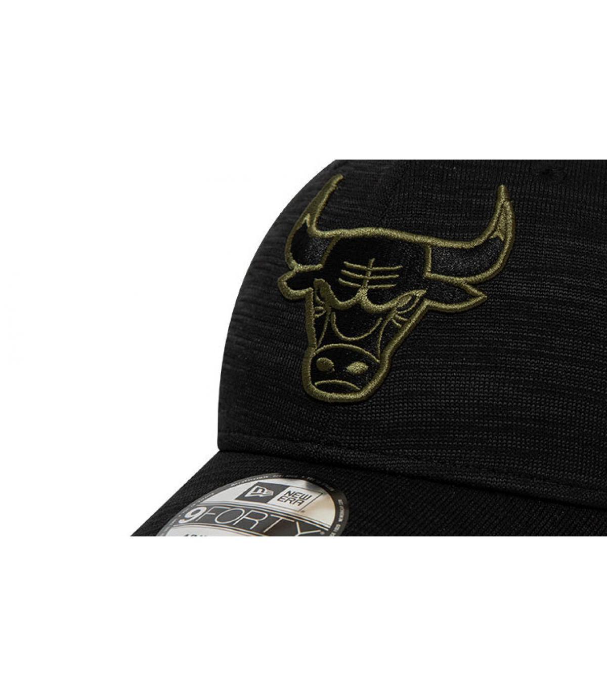 Details Engineered Fit Bulls 940 black olive - afbeeling 3