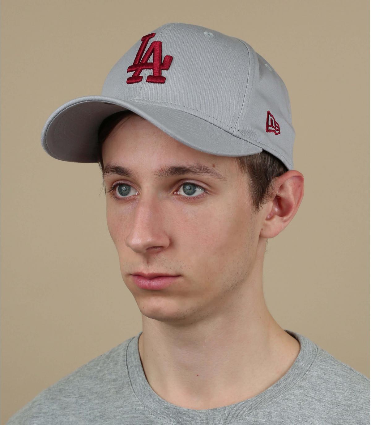 rood grijze LA cap