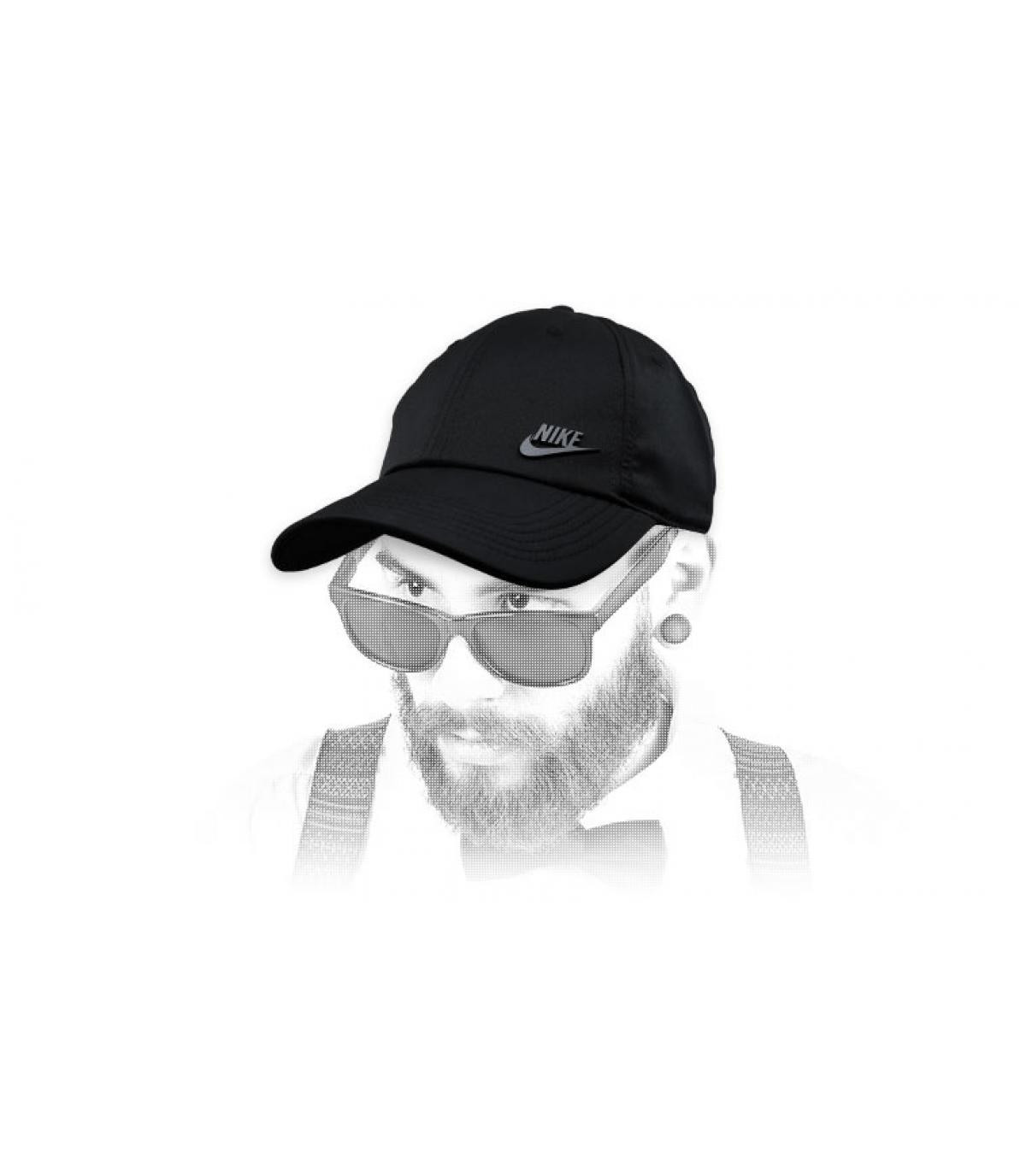 Nike zwarte pet logo