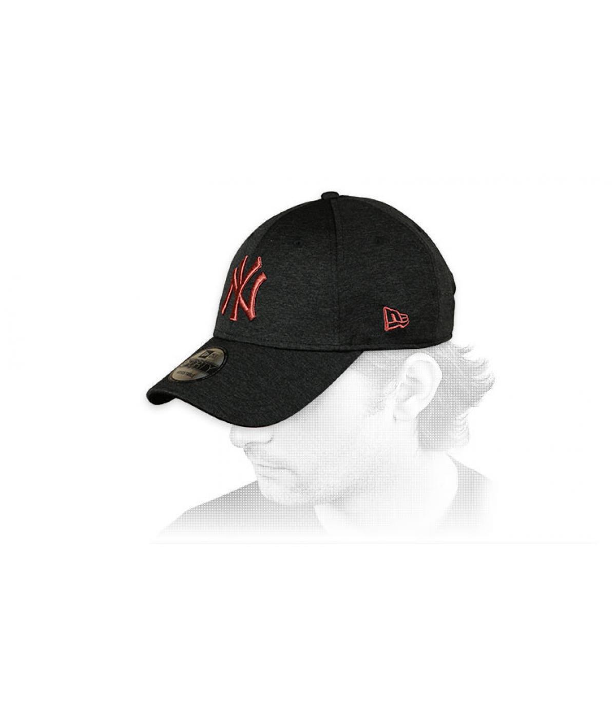 NY zwarte curve cap