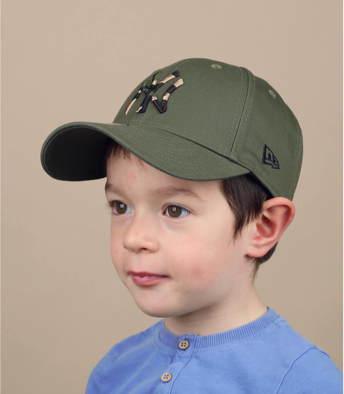 kindermuts NY groen camouflage