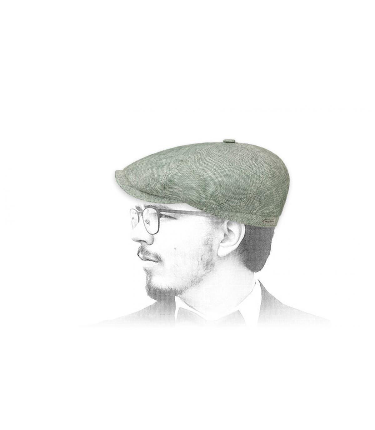 groen linnen krantenverkoper baret