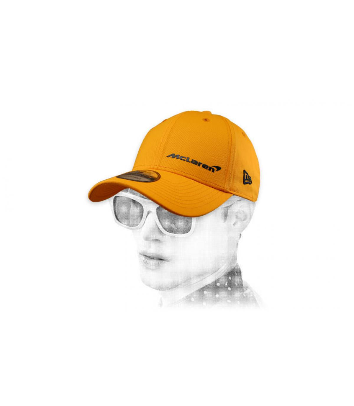 gele McLaren-pet