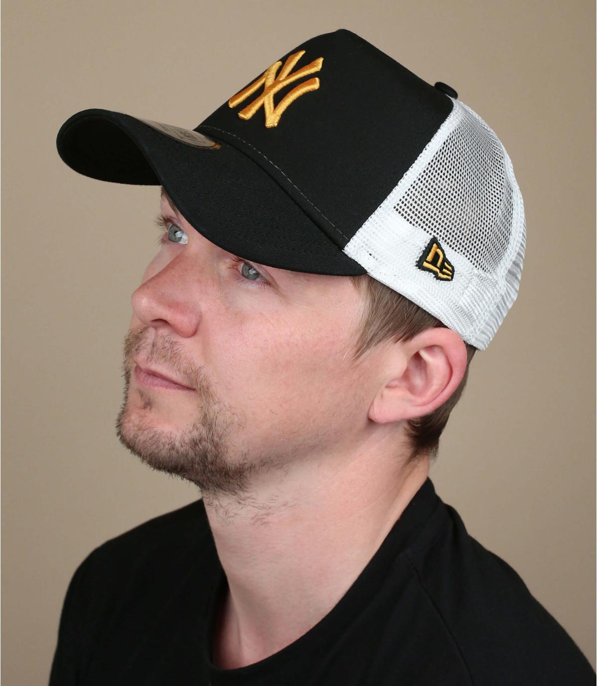 zwart geel NY trucker
