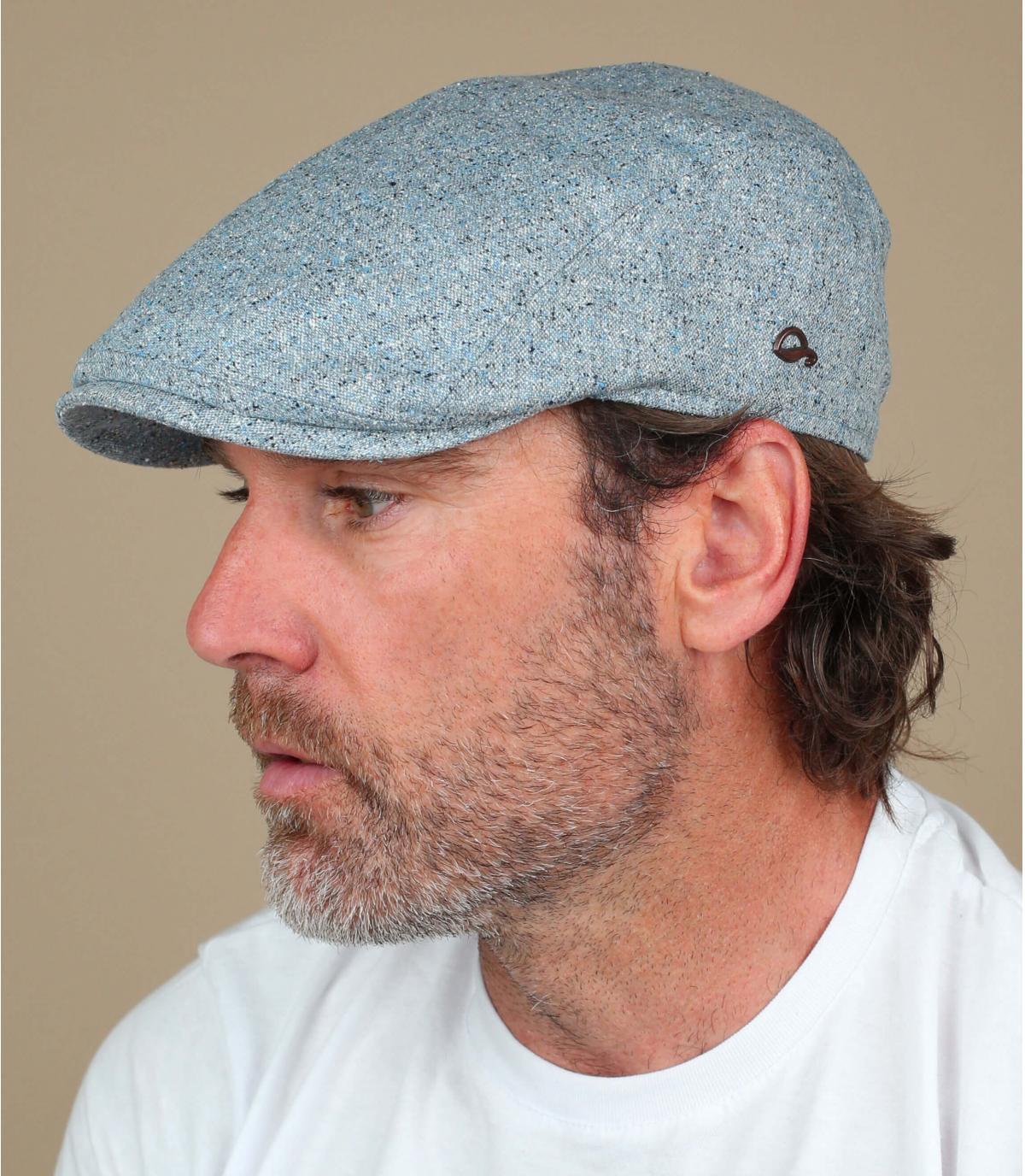blauwe zijden baret