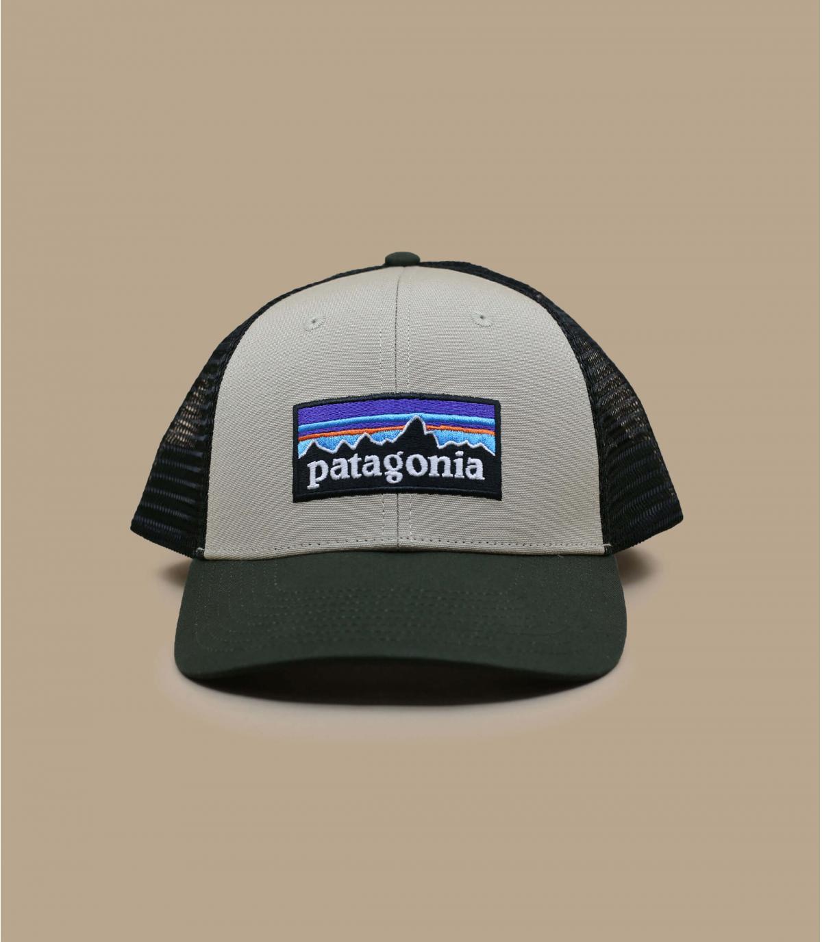 Patagonia kaki trucker