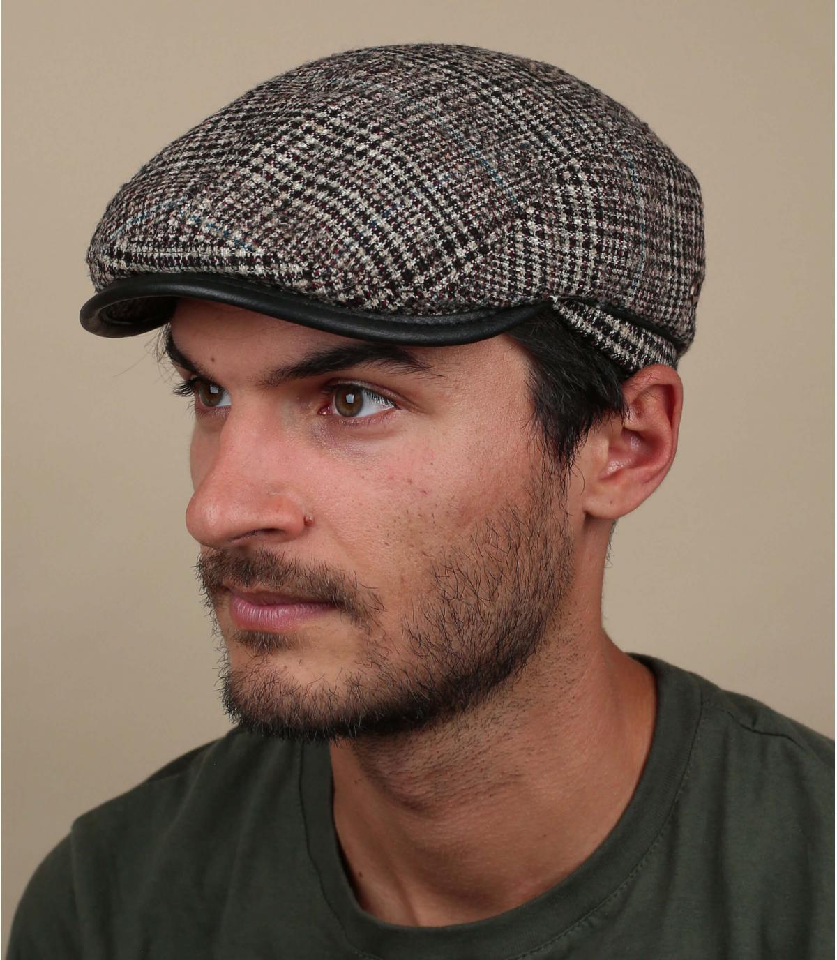 beige geruite wollen baret