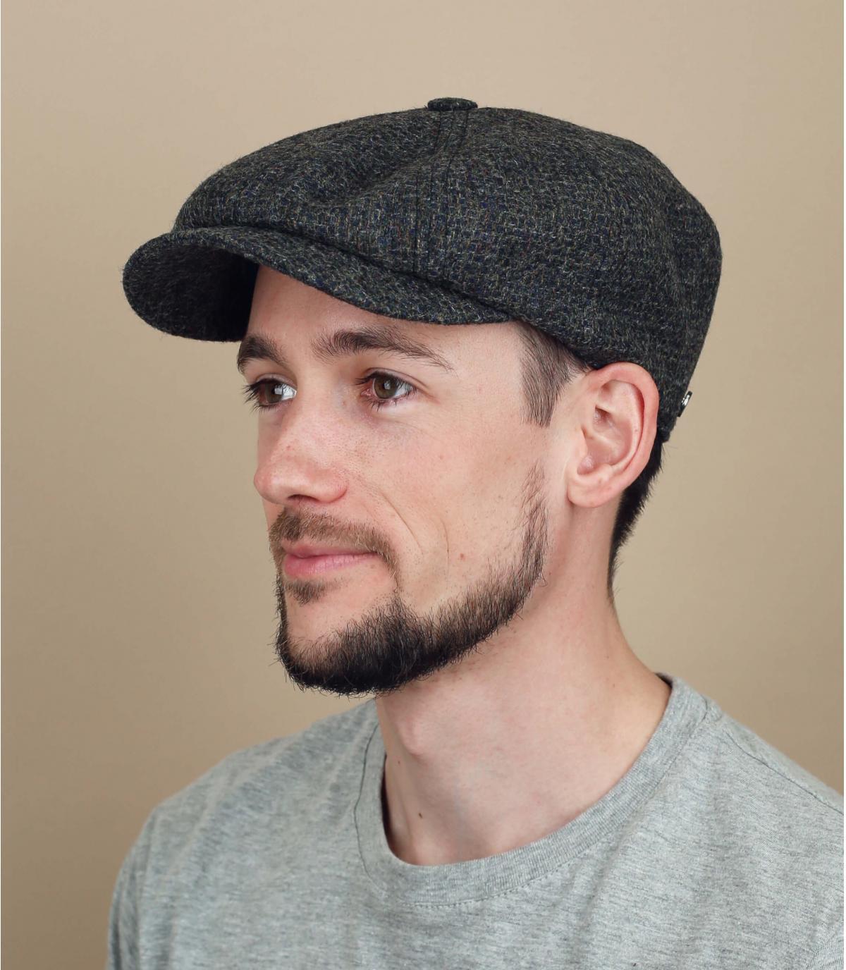 wol grijze krantenverkoper baret