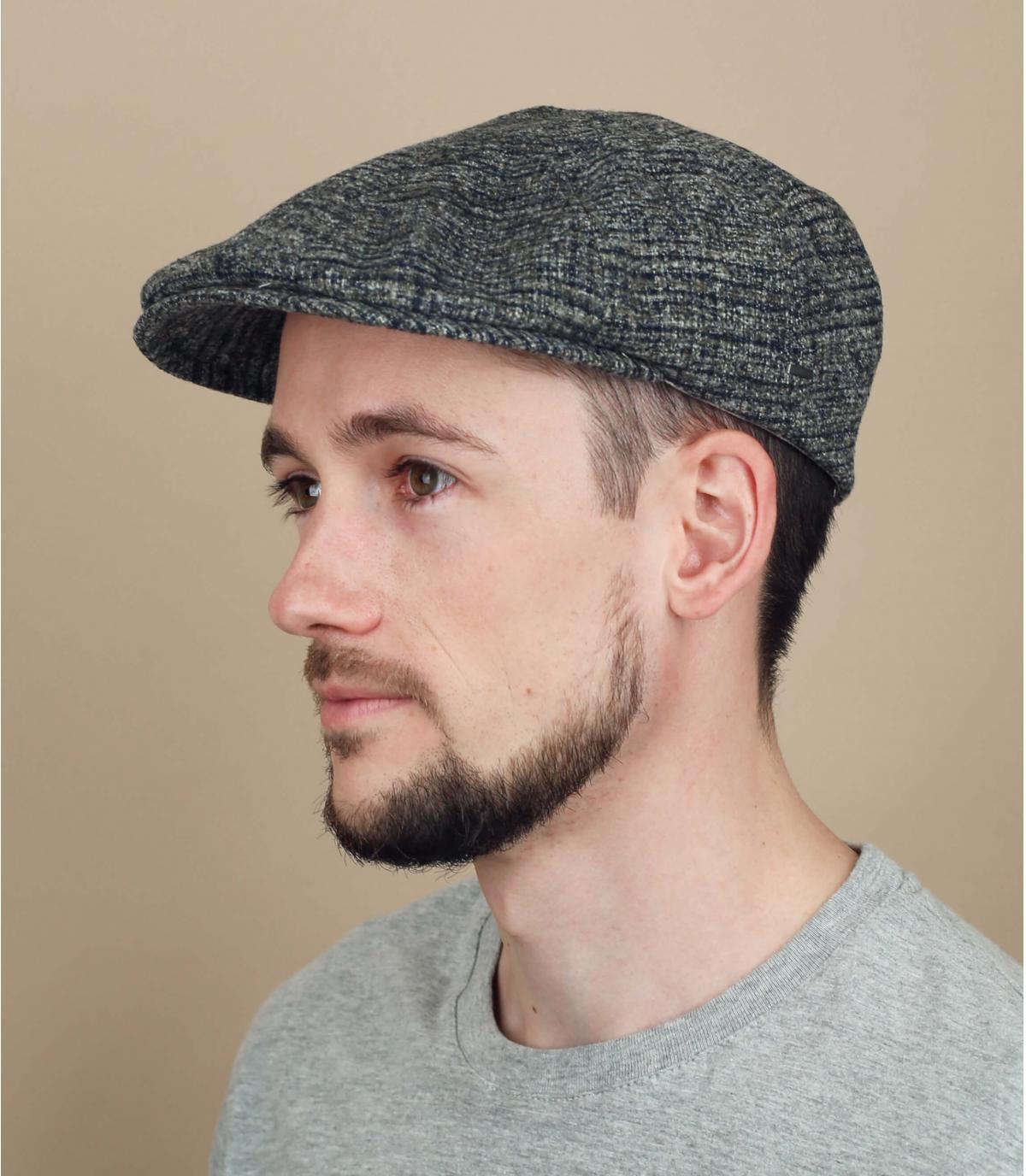 grijze geruite wollen baret