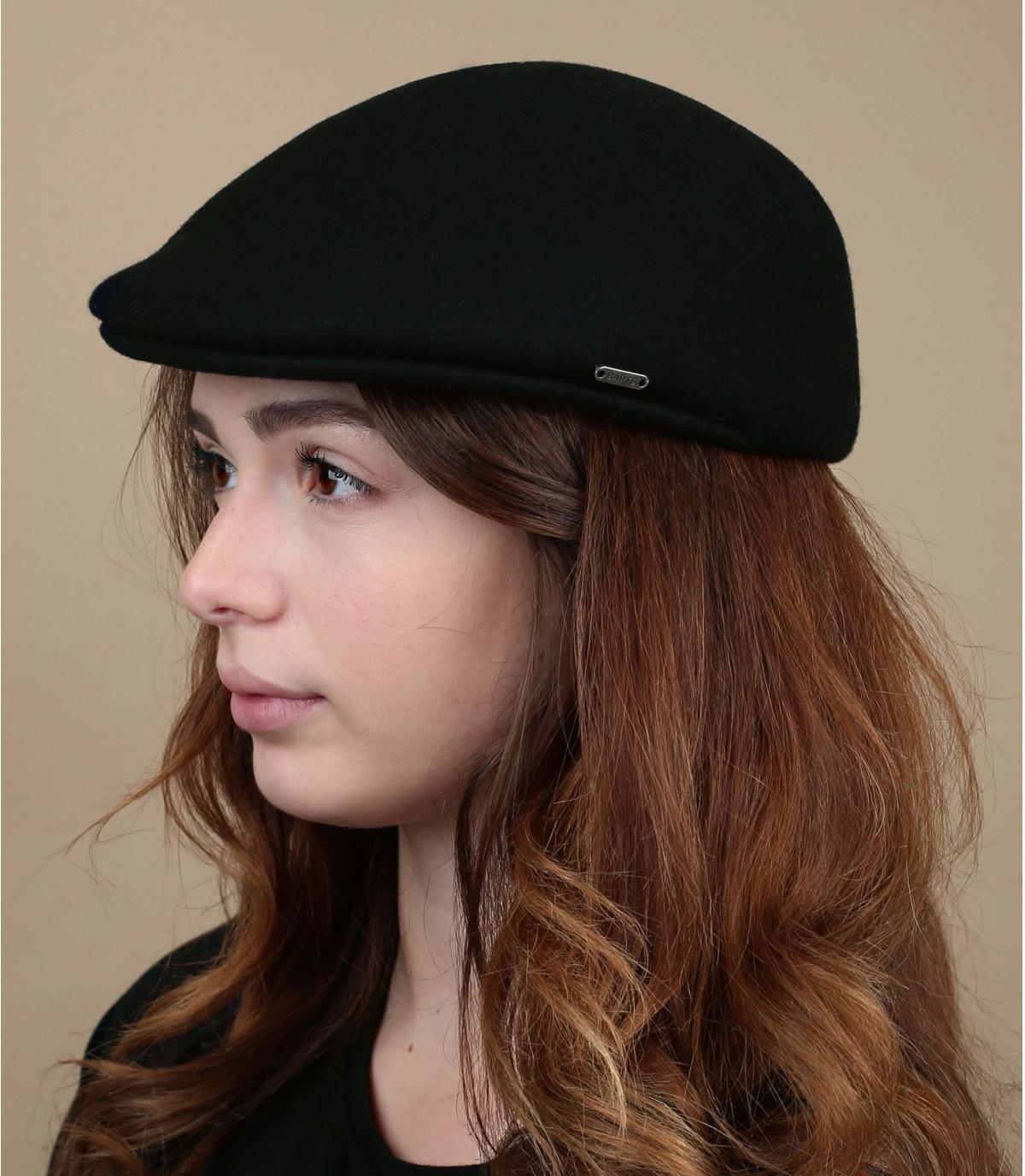 zwarte wollen baret