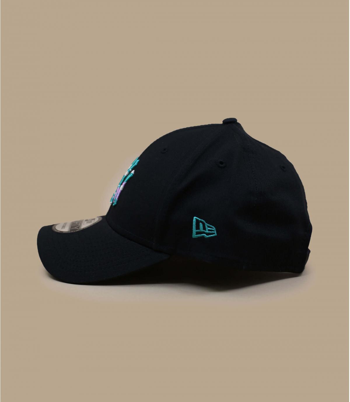 zwarte NY cap met patroon