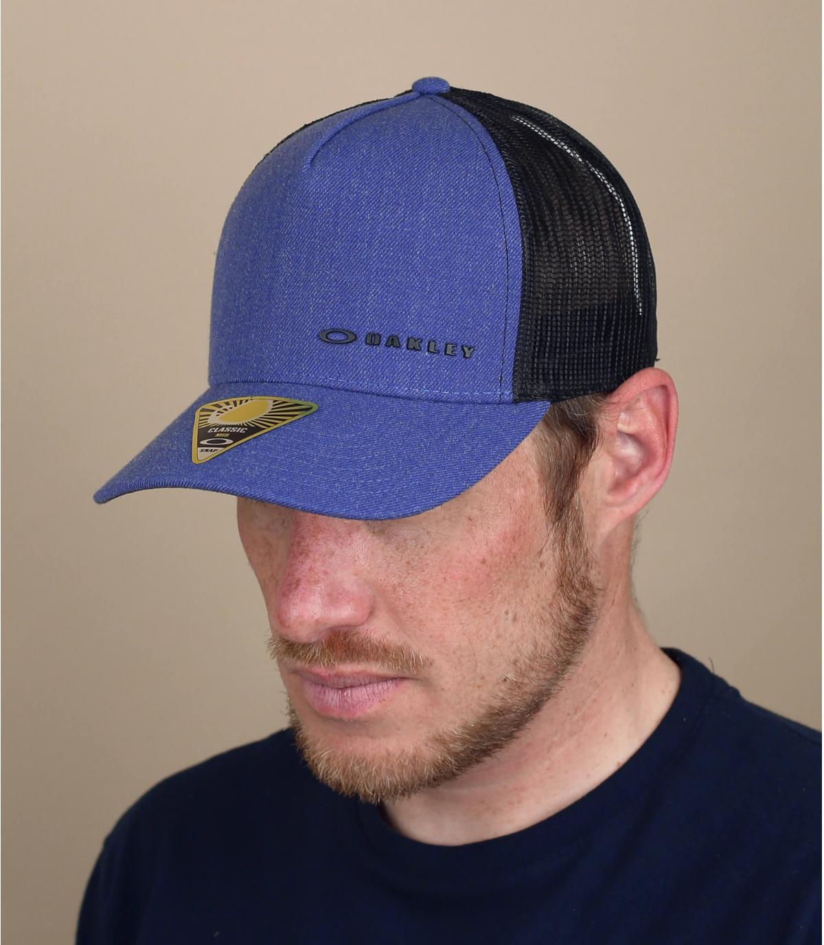 blauwe Oakley trucker