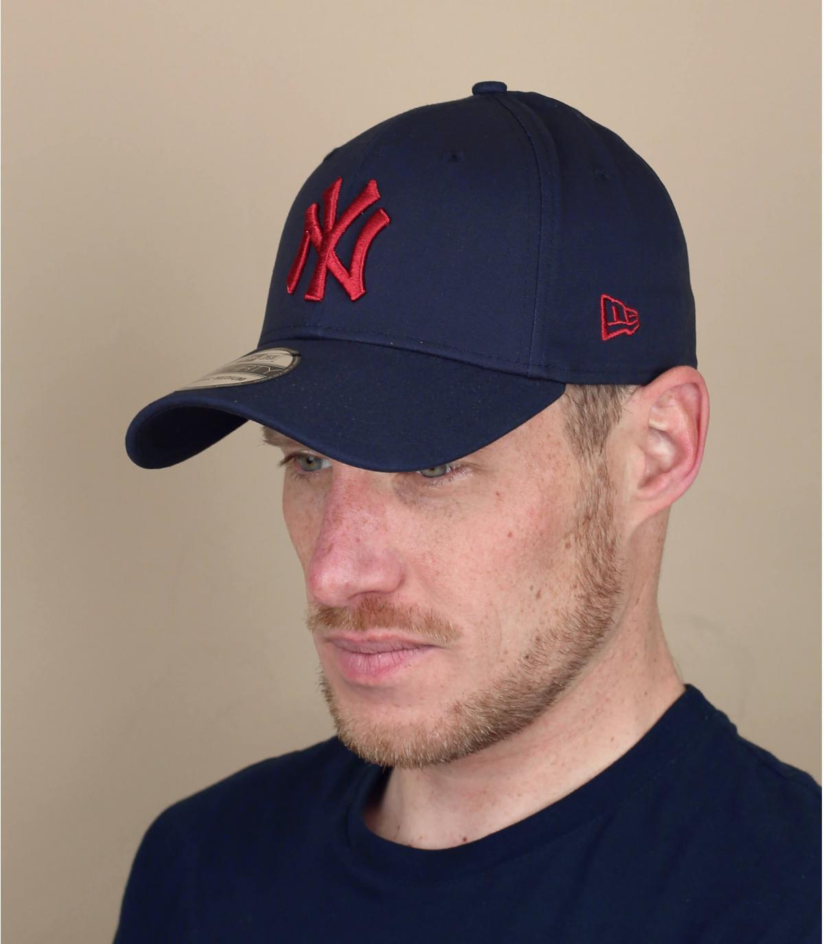 rood blauwe NY cap