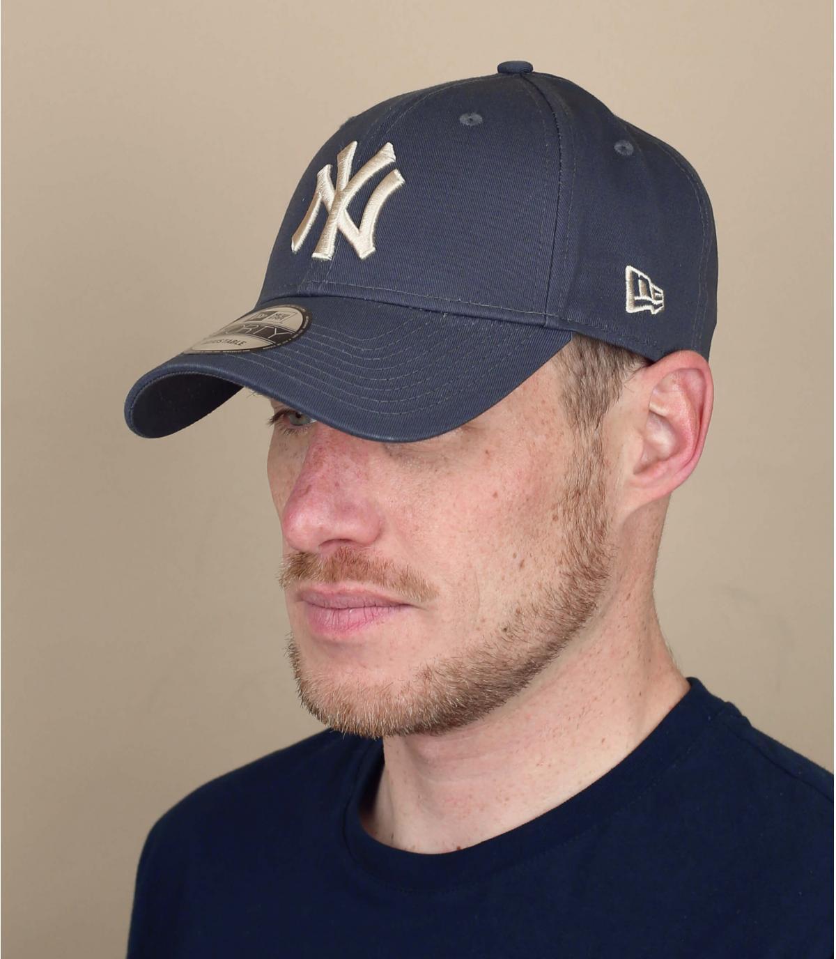 grijs beige NY cap