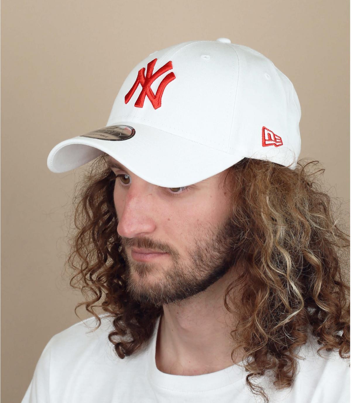 NY cap wit rood