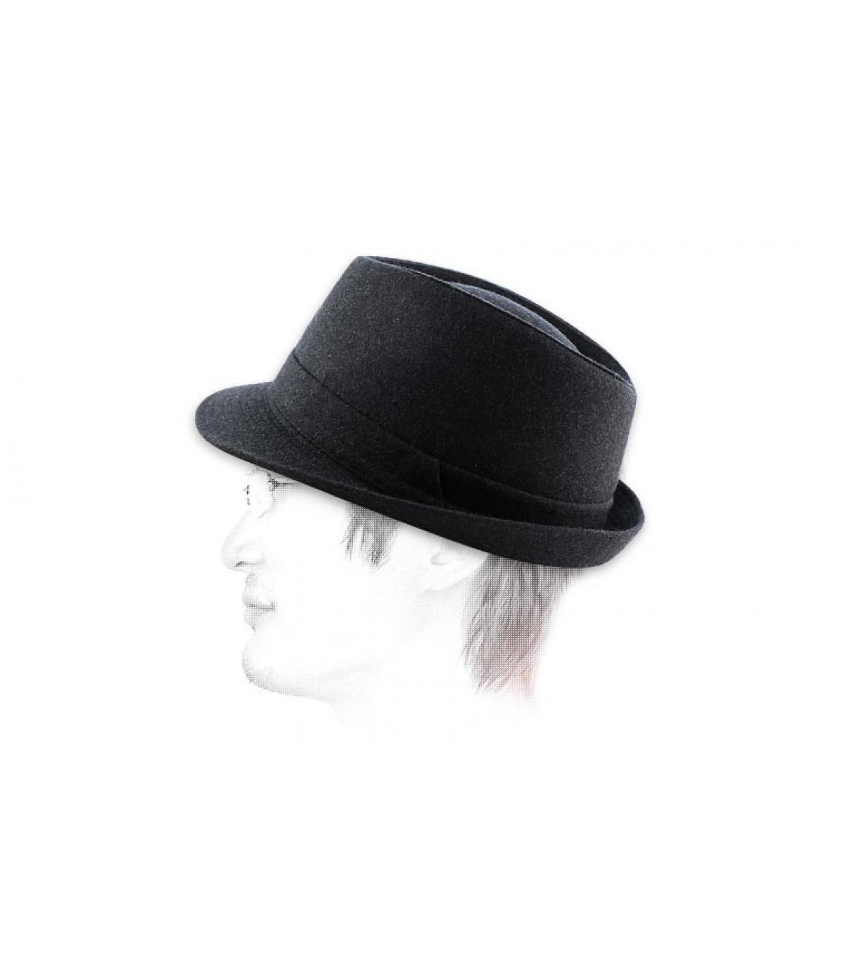 Grijze trilby hoed
