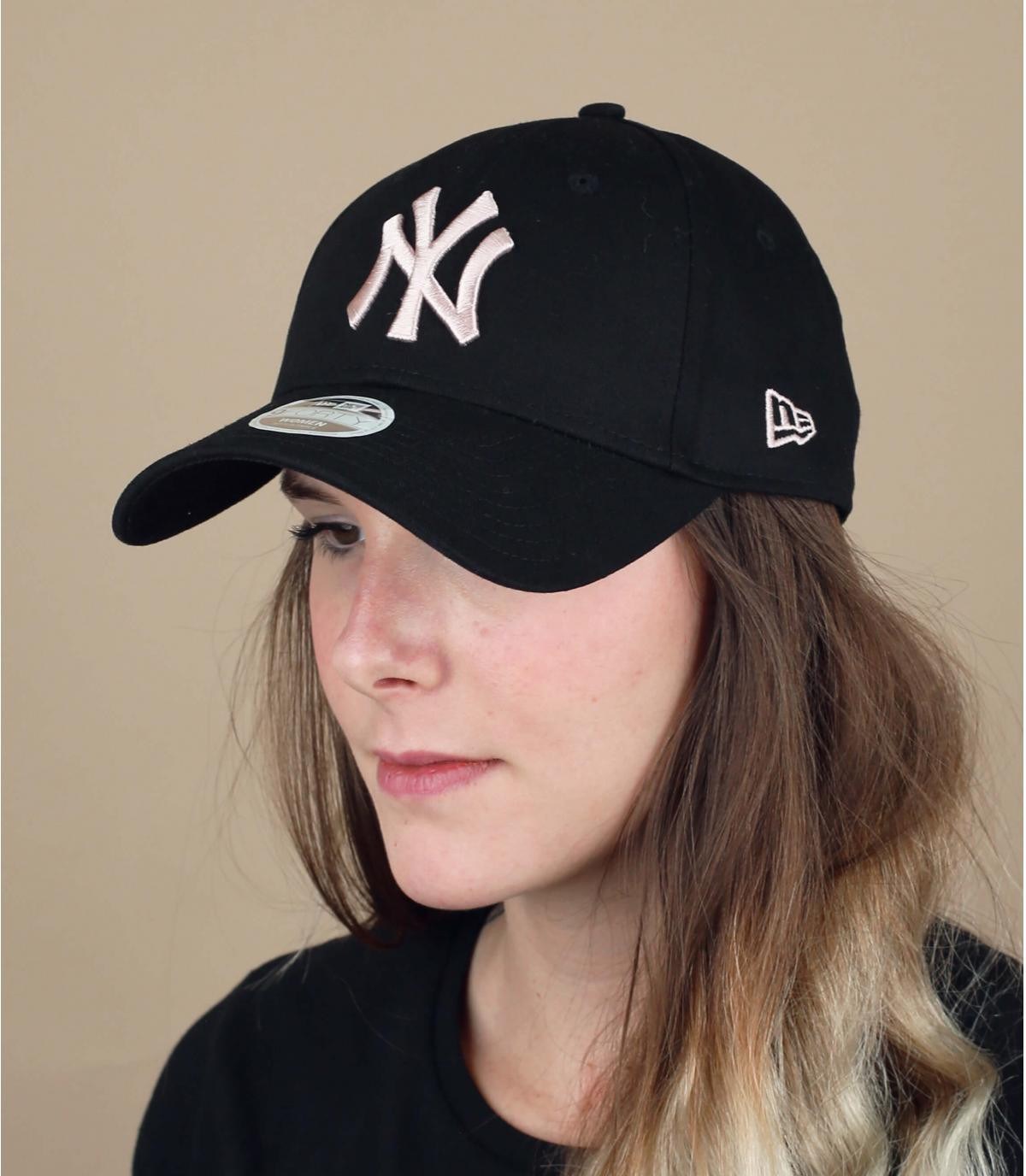 pet NY vrouw zwart roze