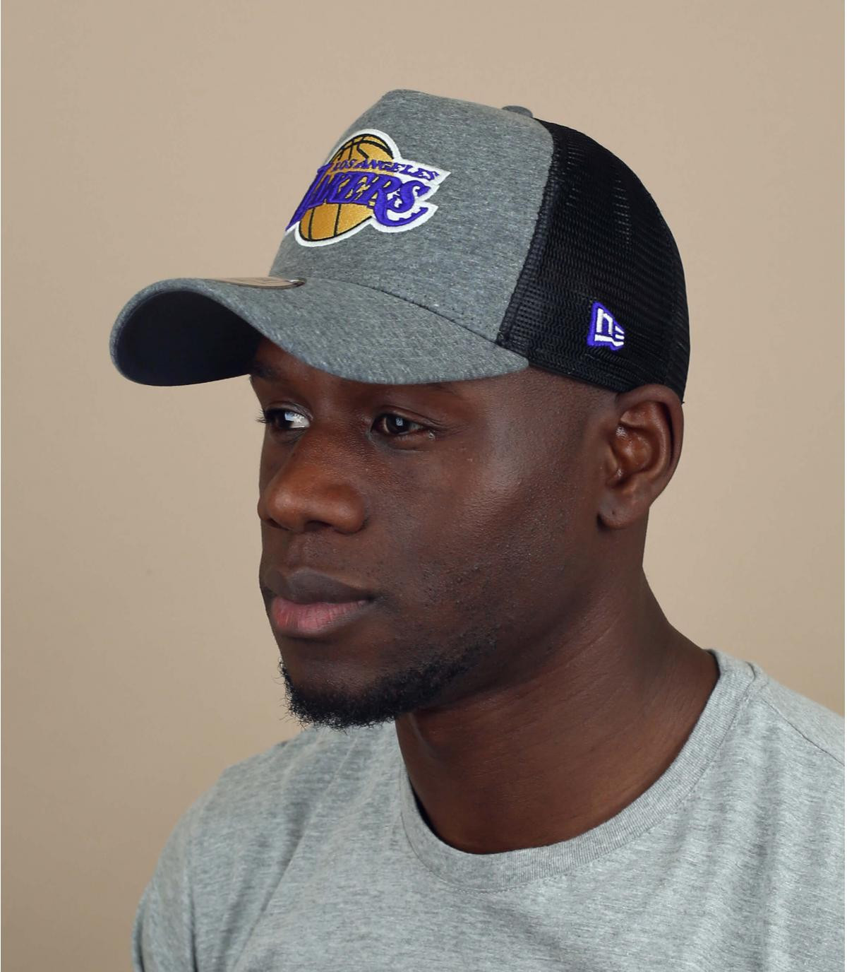 Lakers jersey trucker
