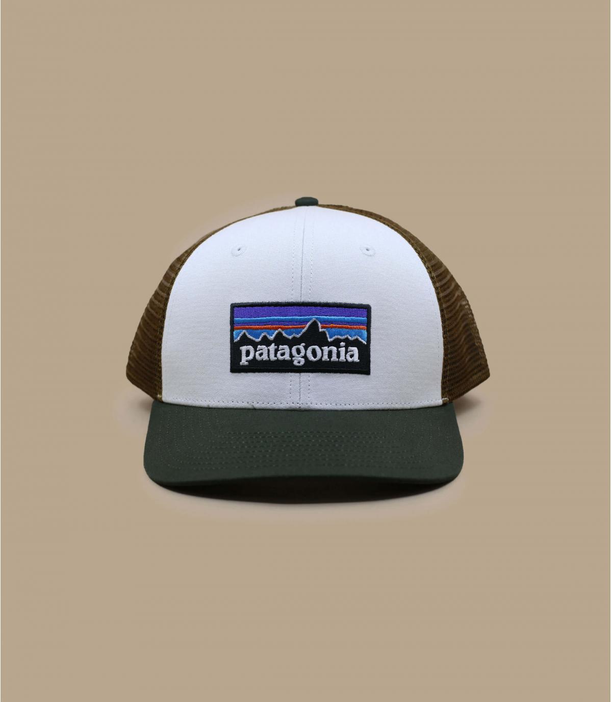 witte Patagonia trucker