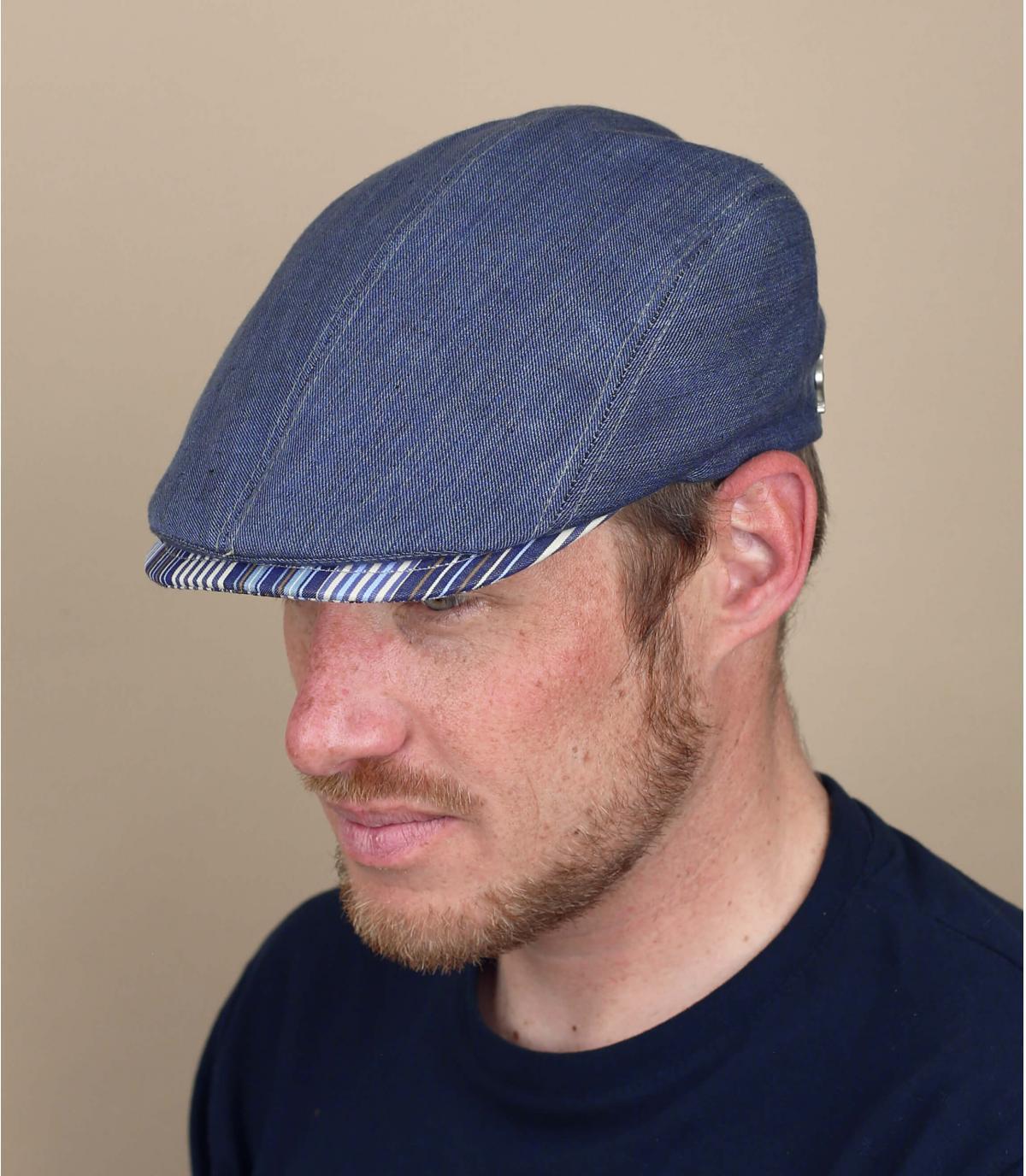 blauwe linnen baret